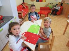 """Die Kinder, die im September und Oktober Geburtstag haben, backen """"den besten Apfelkuchen der Welt"""" (Zitat von einem Kind)"""