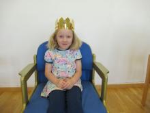 Nora, 5 Jahre